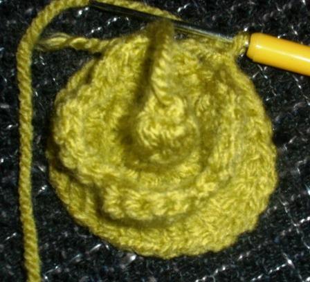 Модная шапка спицами с шишечками. Мастер-класс от Nataly